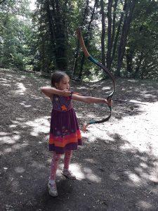 летен лагер стрелба с лък